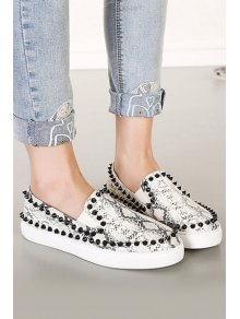 Snake Print Round Toe Rivets Flat Shoes - SILVER GRAY 35