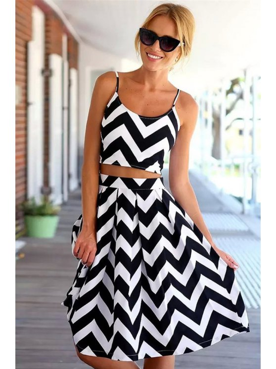 online Wavy Striped Crop Top and Skirt Suit - WHITE AND BLACK M
