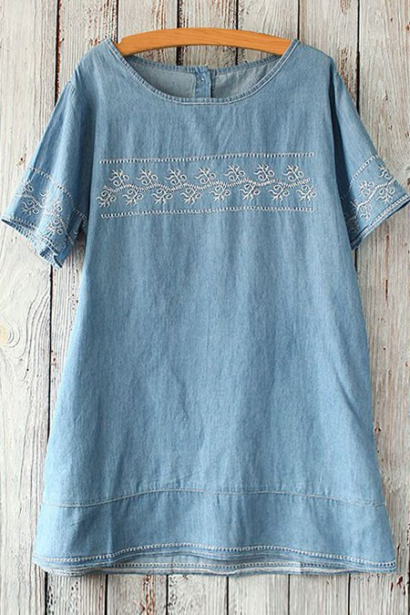 Bleach Wash Embroidery Short Sleeve T-Shirt - LIGHT BLUE ONE SIZE(FIT SIZE XS TO M)