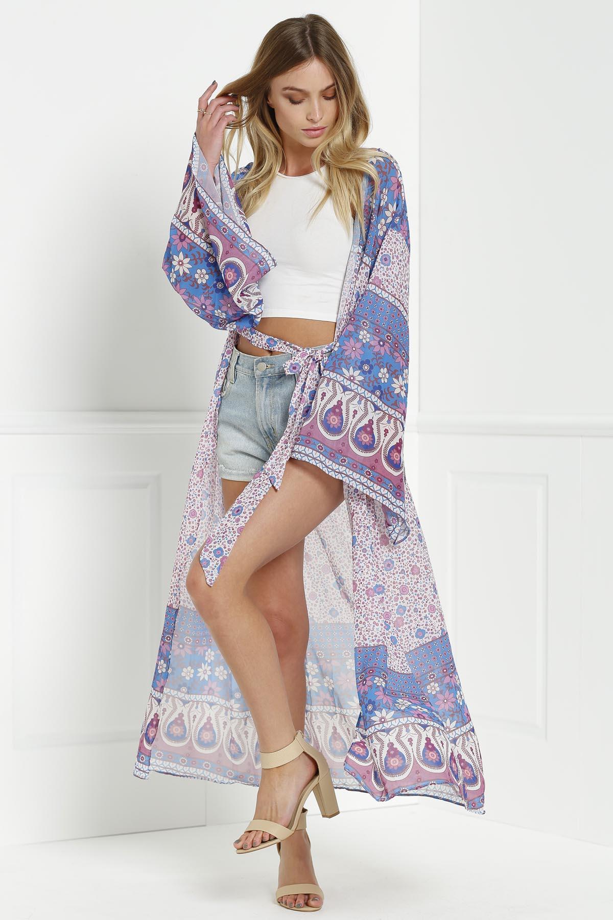 Collarless Wide Sleeve Printed Kimono Blouse