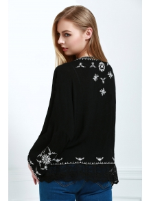 Colllarless Bag-Sleeve Floral Embroidery Blouse