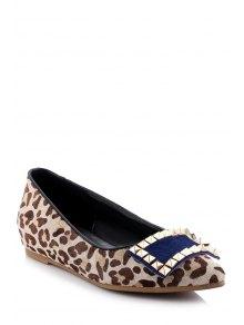 Buy Pointed Toe Leopard Print Rivet Flat Shoes 34 LEOPARD