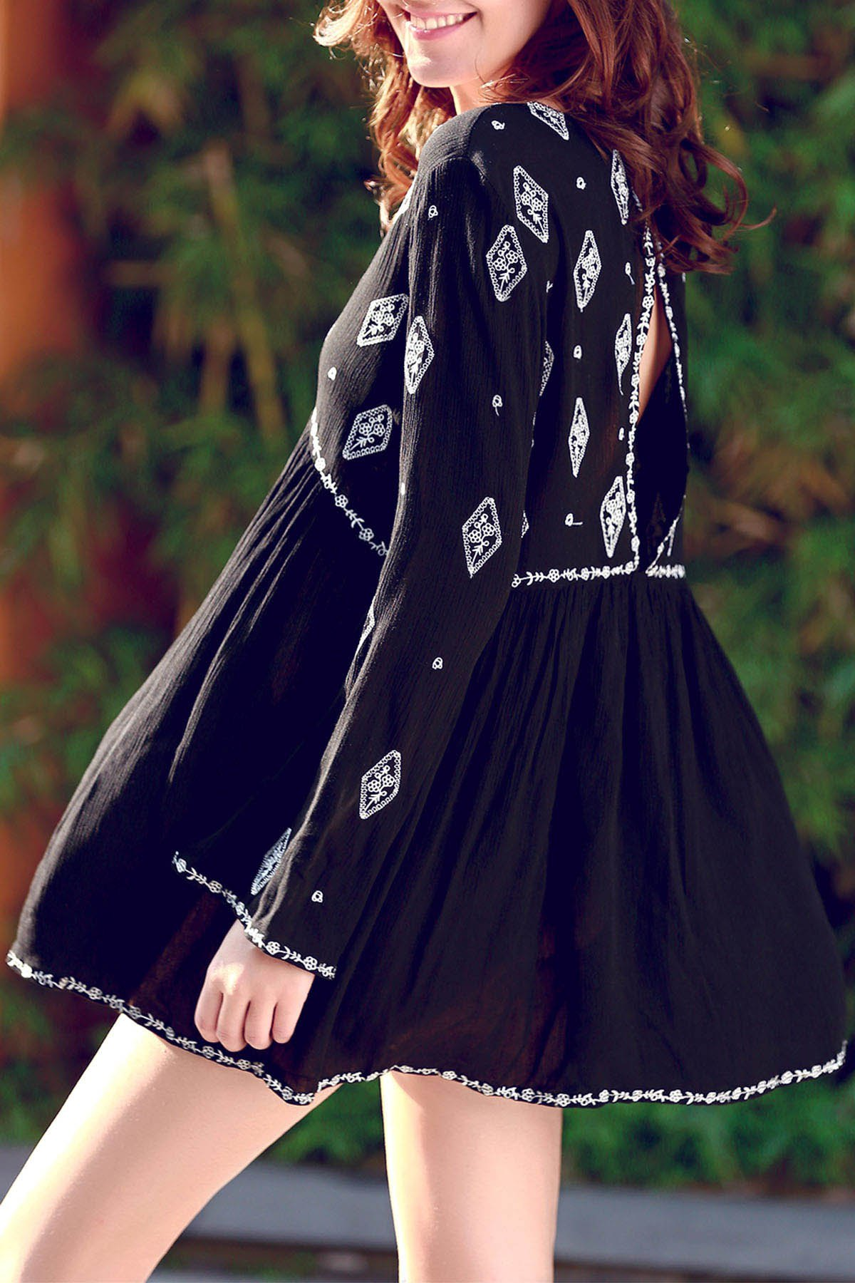 V-Neck Long Sleeve Retro Embroidery Dress