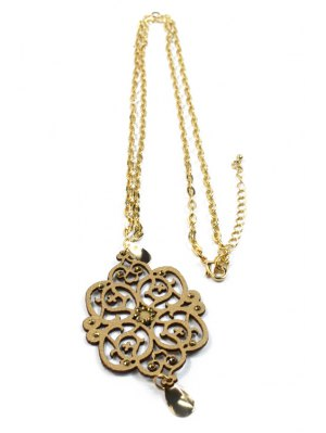 Hollow Out Floral Shape Pendant Necklace - Golden