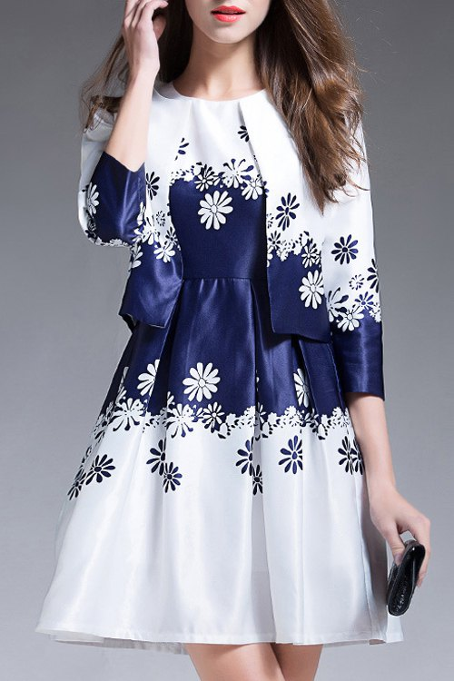 Round Neck Sleeveless Snowflake Print and Collarless 3/4 Sleeve Printed Twinset