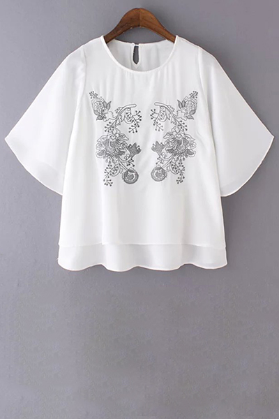 Loose Embroidered Round Neck Bat-Wing Sleeve T-Shirt