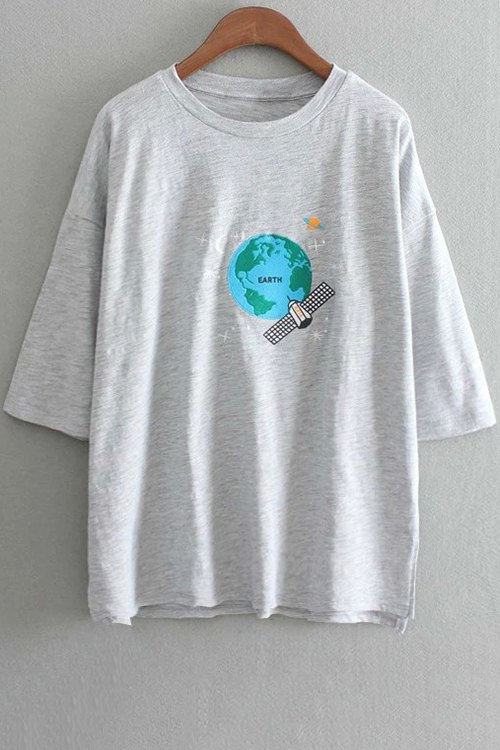 Image of Earth Embroidery Round Neck 3/4 Sleeve T-Shirt
