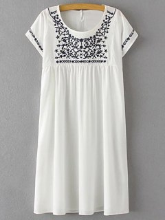 Floral Embroidery Scoop Neck Short Sleeve Dress - White M
