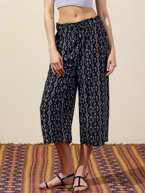 Geometric Print Wide Leg Capri Pants - Black