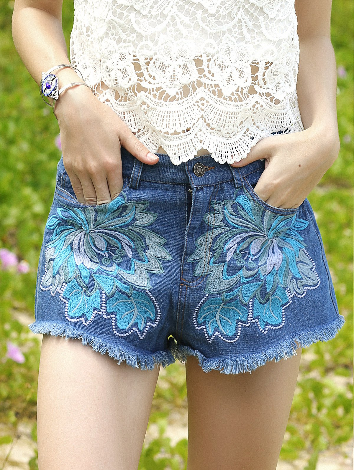 Pockets Embroidery Denim Shorts