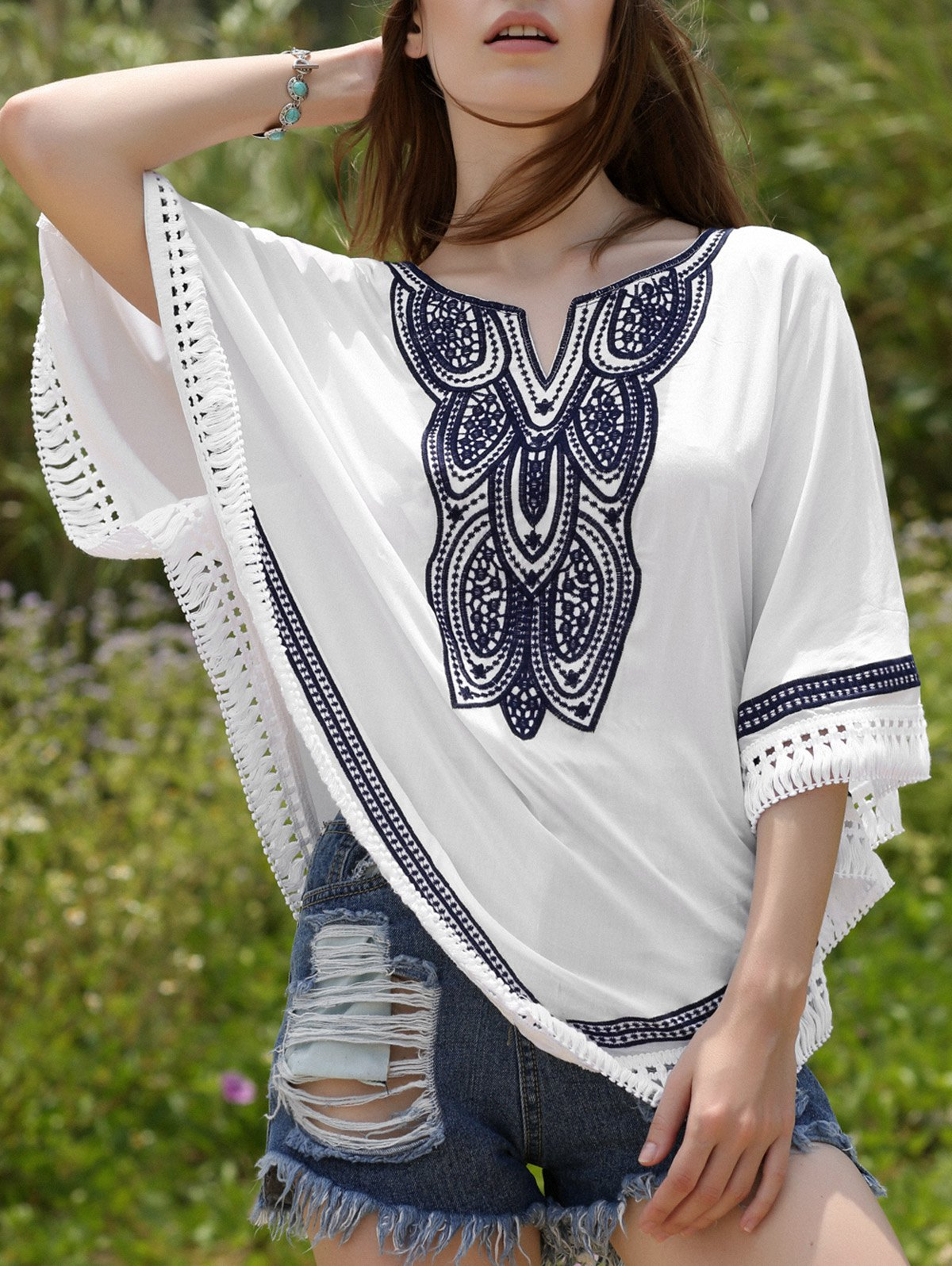 Loose Embroidered Round Neck Bat-Wing Sleeve Blouse