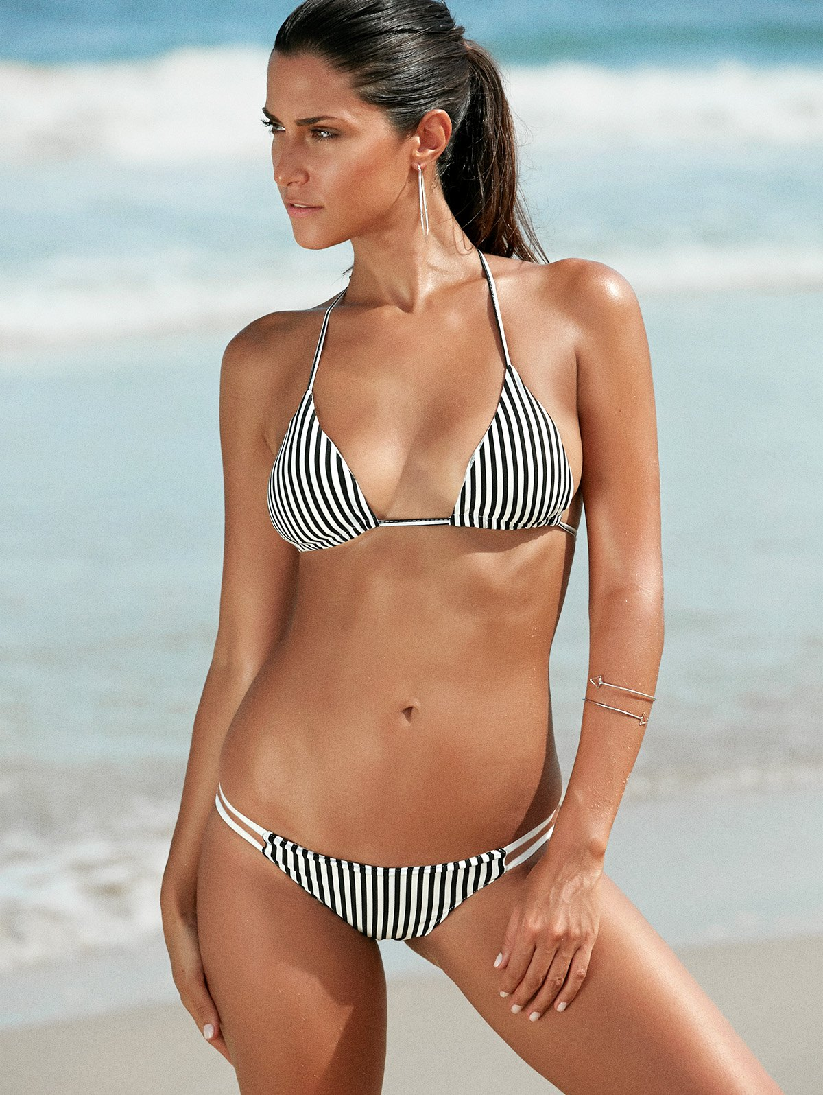 Halter Pinstripes BikiniSwimwear<br><br><br>Size: L<br>Color: WHITE AND BLACK