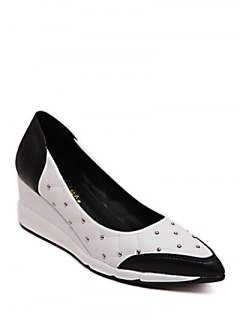 Argyle Pattern Rivets Wedge Shoes - White 38