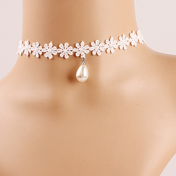 Teardrop Faux Pearl Crochet Flower Choker Necklace