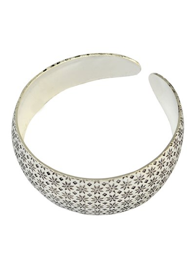 Flower Engraved Cuff Bracelet - SILVER  Mobile