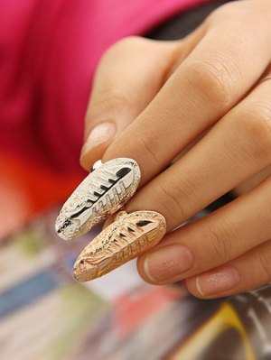Embossed Fishbone Nail Rings - Silver And Golden