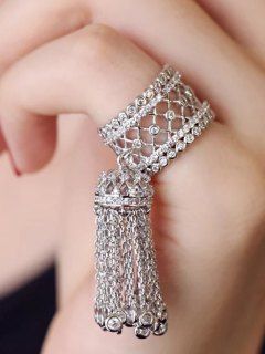Rhinestoned Round Tassel Chains Ring - Silver One-size