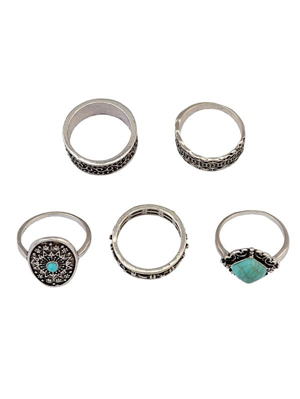 Medallion Carved Ring SetAccessories<br><br><br>Color: SILVER
