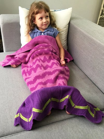 Knitted Bedding Fish Tail Blanket - ROSE RED  Mobile