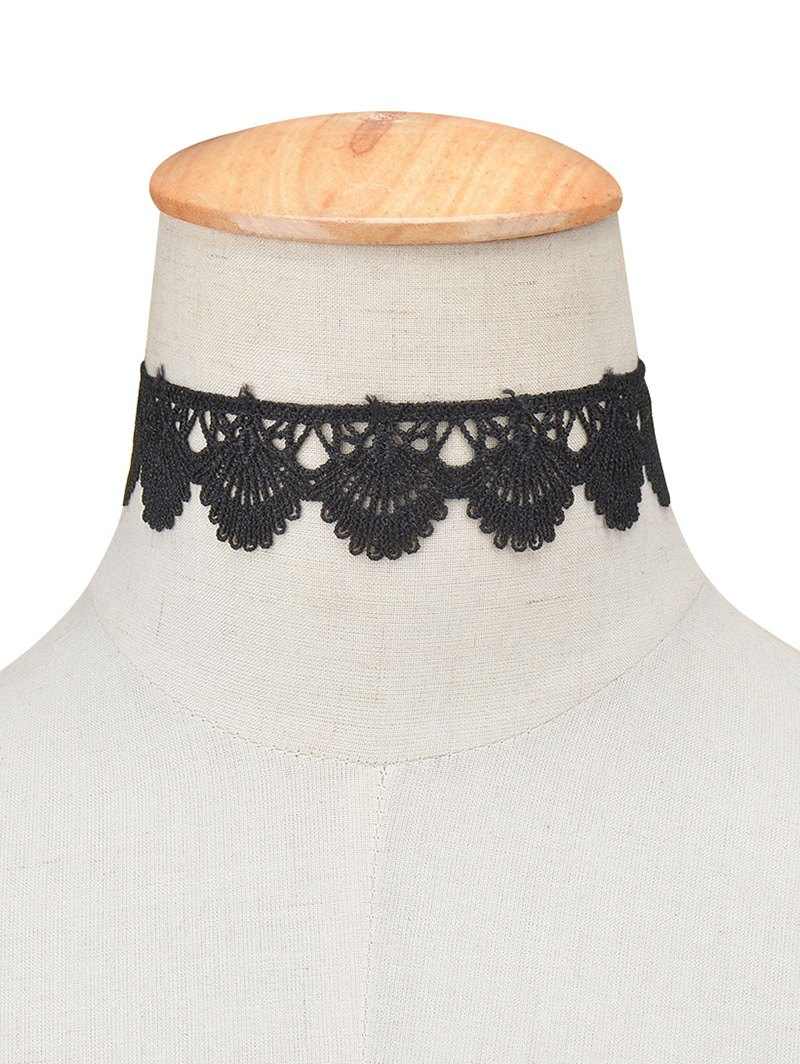Scalloped Lace Choker Necklace