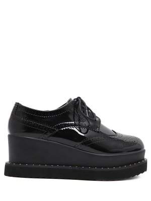 Tie Up Round Toe Wedge Wingtip Shoes - Black