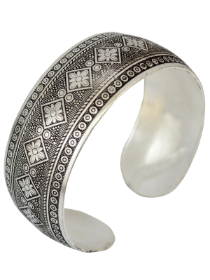 Rhombus Flower Etching Cuff Bracelet - Silver