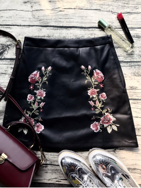 trendy Faux Leather Flower Embroidered Skirt - BLACK XS