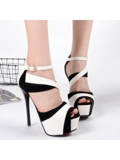 Patent Leather Peep Toe Sandals - Black 39