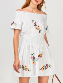 Floral bordado Smocked vestido de hombro