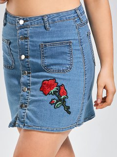Plus Size Buttons Rose Patch Denim Skirt - Denim Blue 3xl