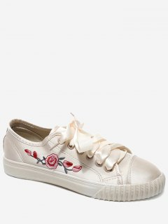 Embroidery Ribbon Floral Skate Shoes - Off-white 39
