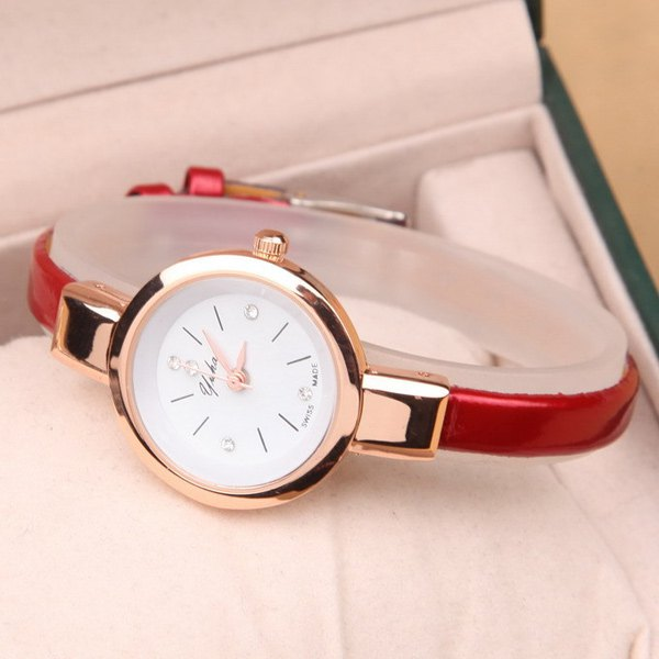 Vintage Rhinestone Artificial Leather Quartz Watch